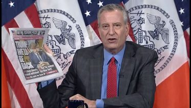 Bill de Blasio blasts Donald Trump: U.S. president is 'stabbing his home town in the back' 6