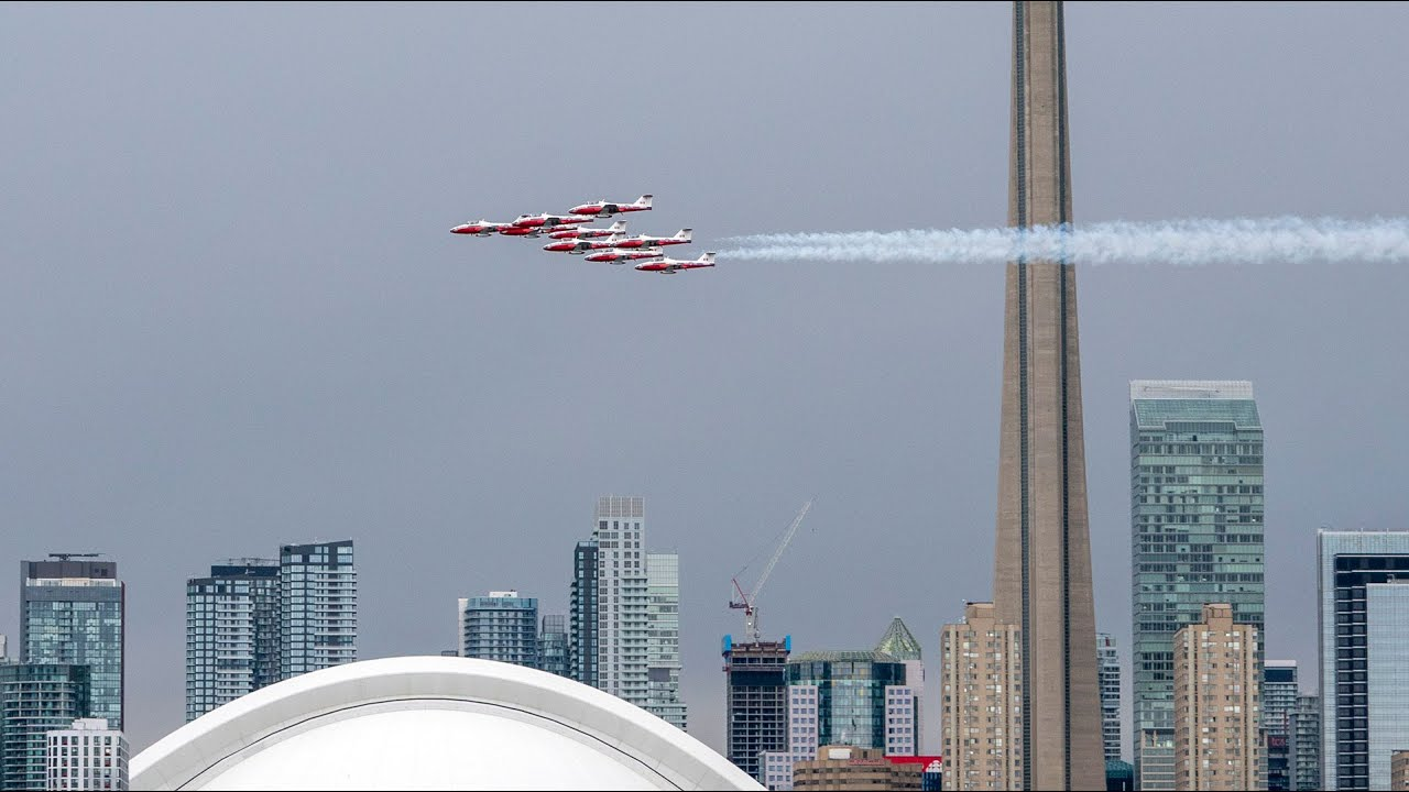 Former commander vouches for safety of Snowbirds jets 1