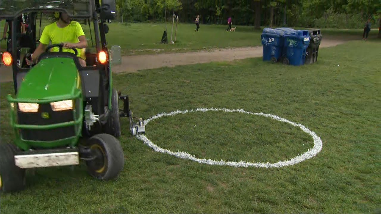 Toronto using painted circles to separate people at park 1