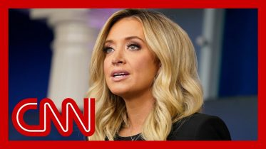 New White House press secretary makes a vow to never lie 6