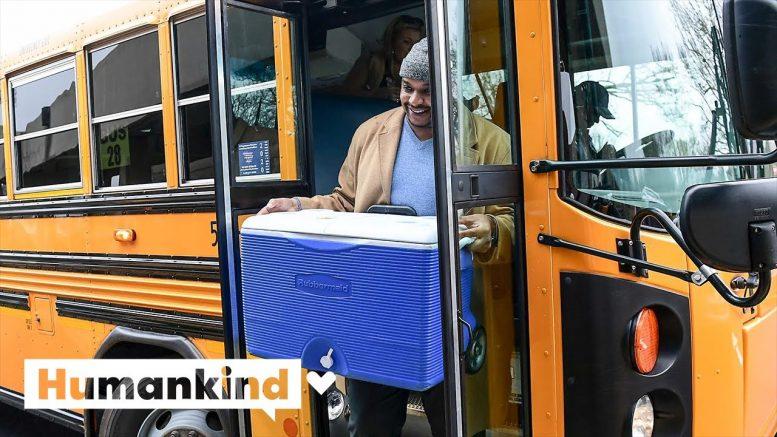 Principal delivers food to students via school bus | Humankind 1
