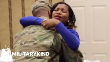 Adorable toddler's reaction to seeing his Army dad   Militarykind 6