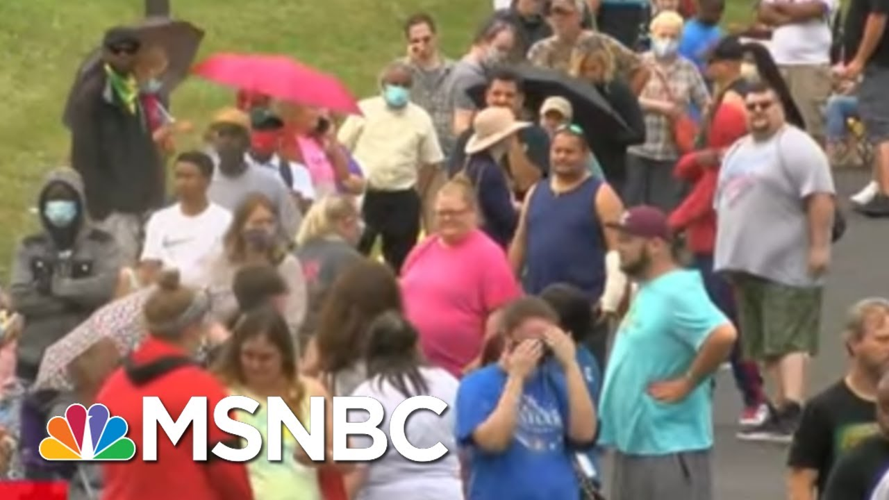 Hundreds Line Up In KY Amid Unemployment Backlog   The Last Word   MSNBC 3