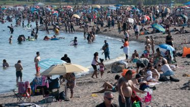 Ontario town closes beach over COVID-19 fears, mayor blames tourist from Toronto 6