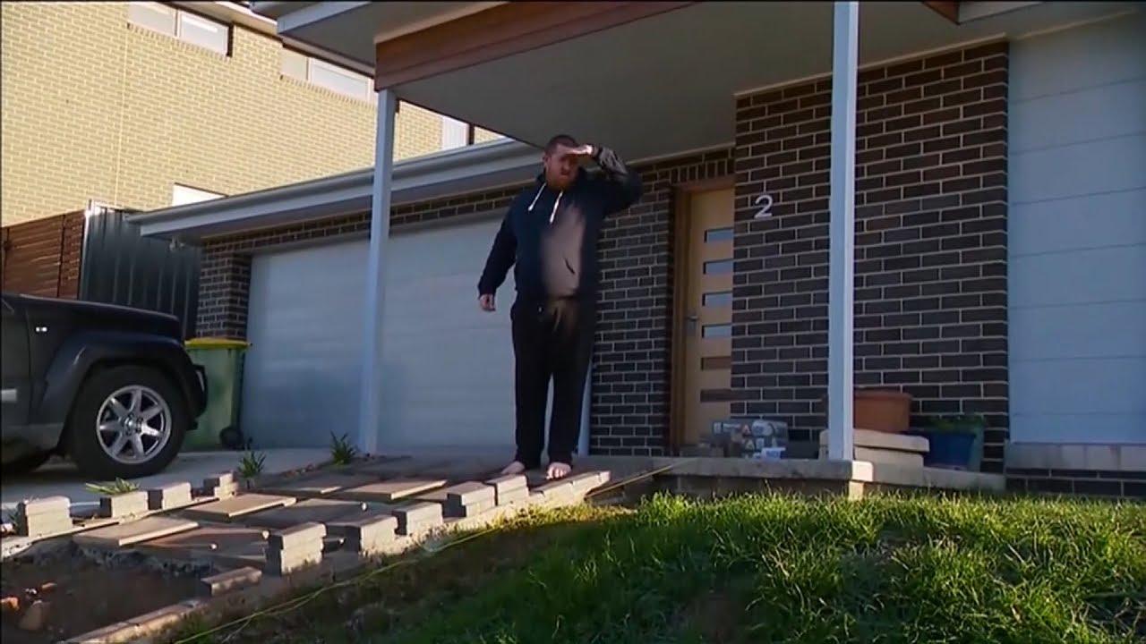 Homeowner tells Aussie PM Scott Morrison to 'get off' newly-seeded lawn 2
