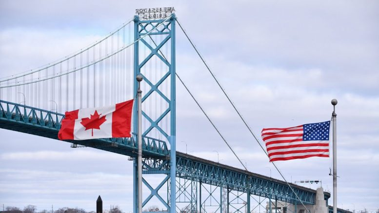 Majority of Canadians want border kept closed over COVID-19: Nanos 1