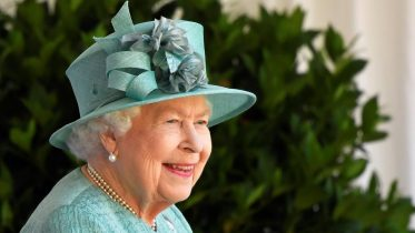 Queen Elizabeth's birthday marked with smaller ceremony 10