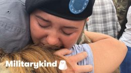 Soldier sobs in mom's arms at the airport   Militarykind 8