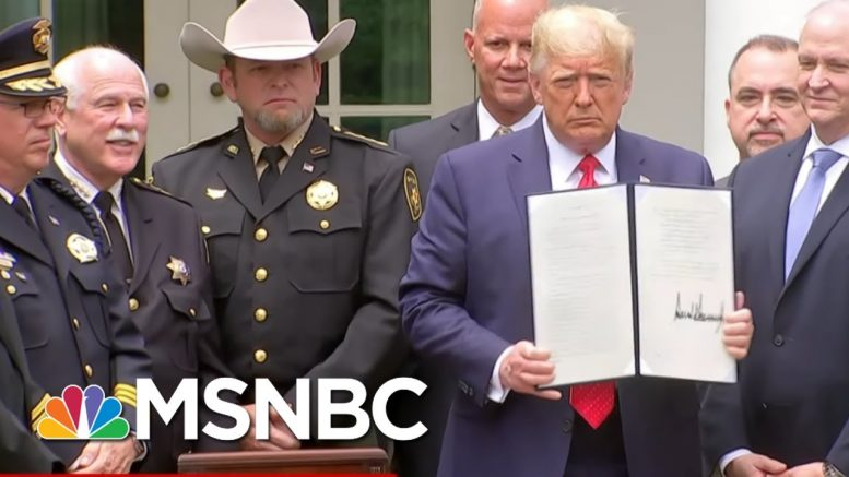 What Is - And Isn't - Part Of Trump's Executive Order On Policing - Day That Was | MSNBC 1