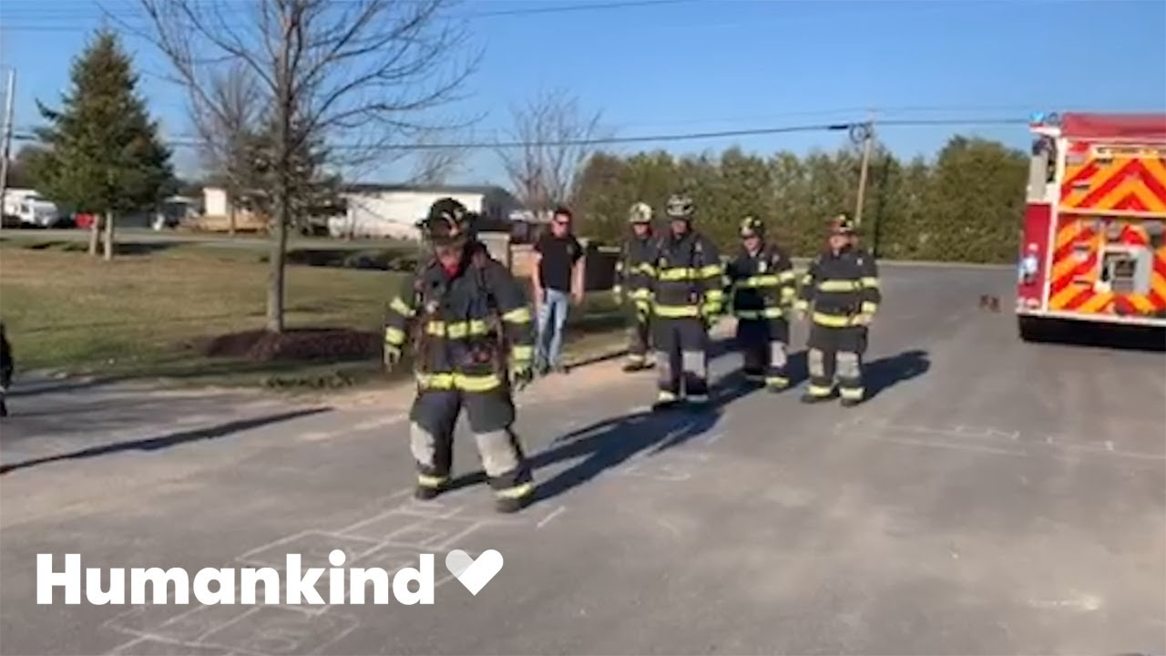 Frontline workers flock to chalk challenge | Humankind 2