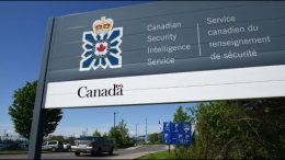 Judge says CSIS has 'cavalier' attitude to rule of law, calls for review of Canada's spy agency 1