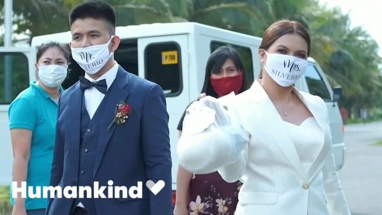 Newlyweds spend wedding money on healthcare heroes   Humankind 1