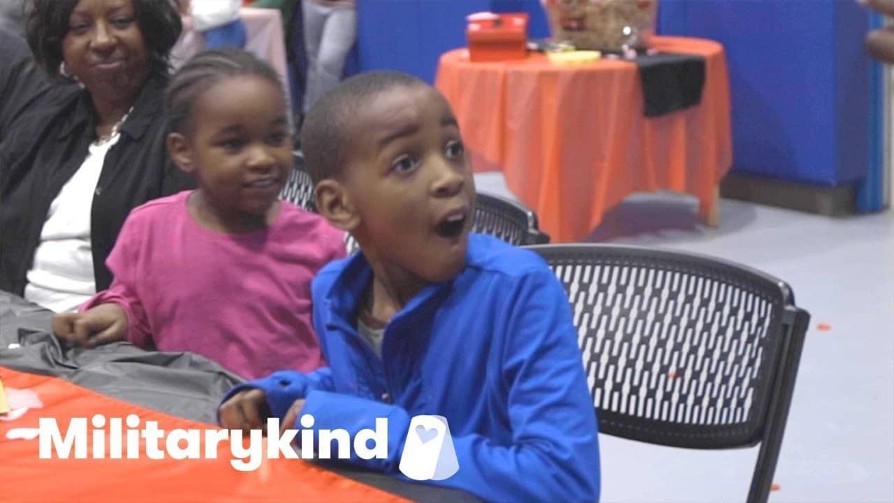 """Air Force mom reunites with kids for """"date night"""" 