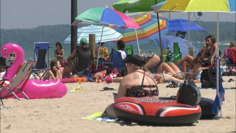 Concern about overcrowding at Ontario's popular Wasaga Beach 1