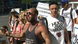 Demonstrators in Toronto refuse to wear masks, board TTC 3