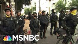 Seattle Police Clearing Out Capitol Hill Occupied Protest Zone After Mayor's Executive Order | MSNBC 7