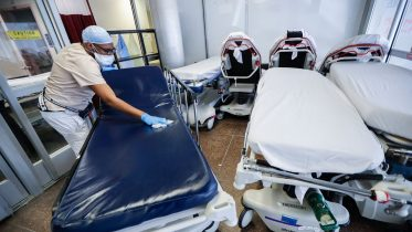 Rising number of COVID-19 cases overwhelming U.S. hospitals 6