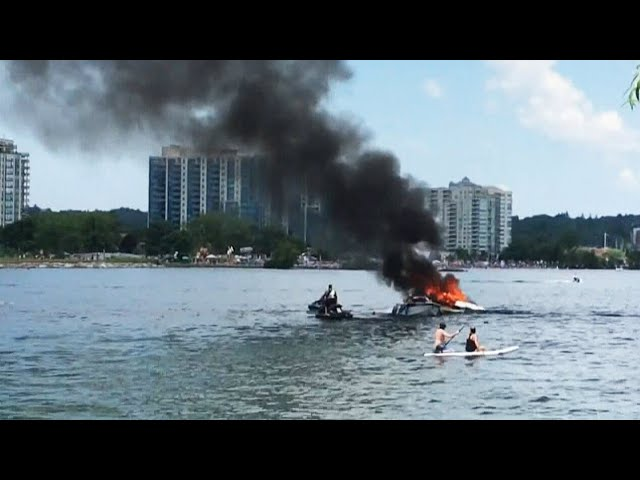 Four people rescued from a burning boat in Barrie, Ont. 7