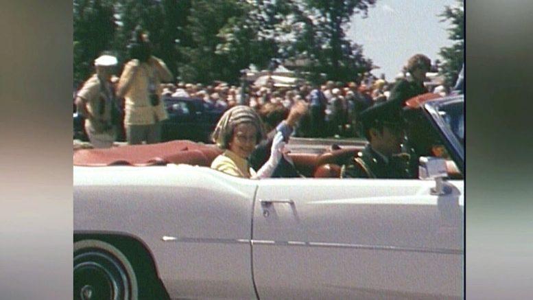 1976: Queen Elizabeth visits Upper Canada Village 1