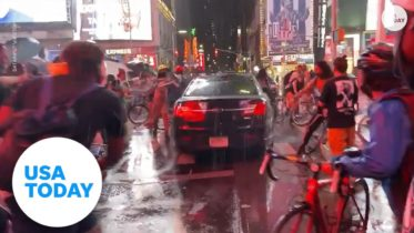 Car plows through group of protesters in Time Square | USA TODAY 6