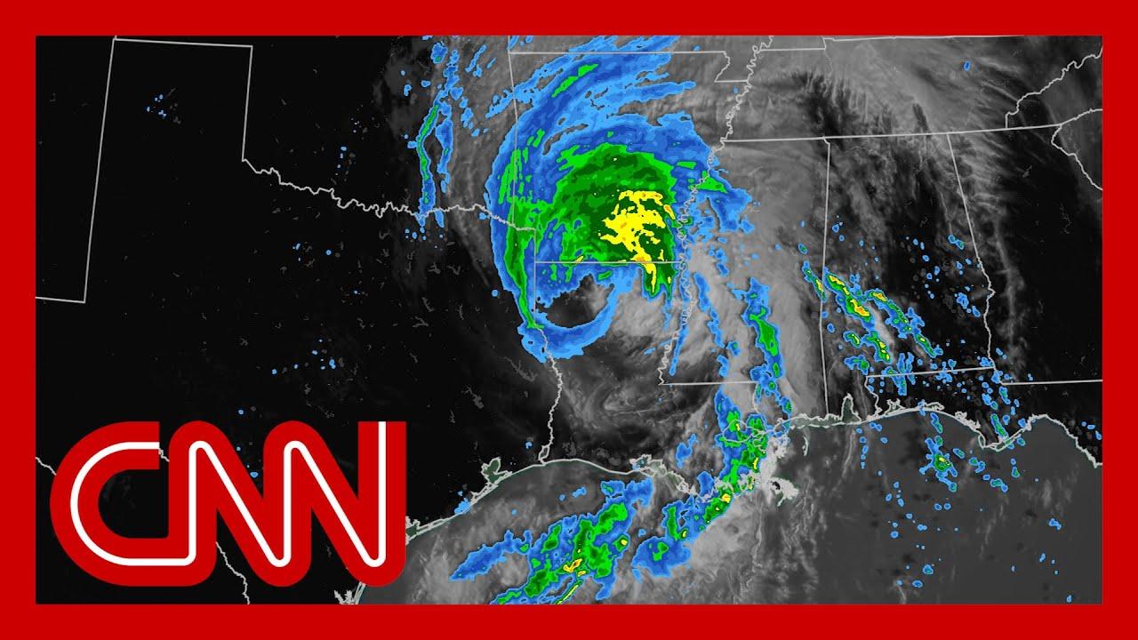 Millions at risk as Tropical Storm Laura moves inward 2