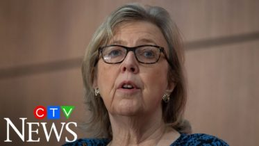 Elizabeth May demands more climate action from PM ahead of throne speech 6