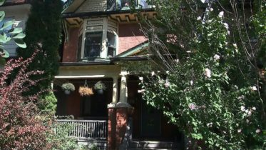 COVID-19 case linked to open house in downtown Toronto 10