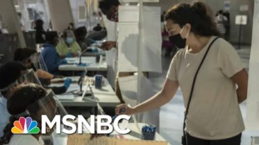 Undecided Ohio Voters Looking For 'Character' In First Presidential Debate | Stephanie Ruhle | MSNBC 5