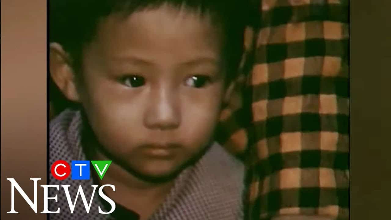 Nov. 26, 1978: Vietnamese refugees arrive in Canada 6