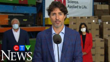 Justin Trudeau hails the 'Team Canada' approach that has helped the country through COVID-19 6