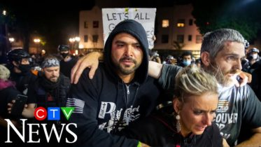 1 person dead after Trump supporters clash with Black Lives Matters protesters 2