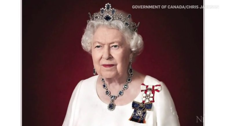 The Canadian government has released a new portrait to honour Queen Elizabeth II. 1