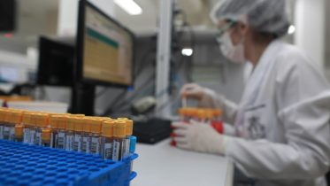 When could Canadians see a COVID-19 vaccine? Ottawa invest in made-in-Canada vaccine 4