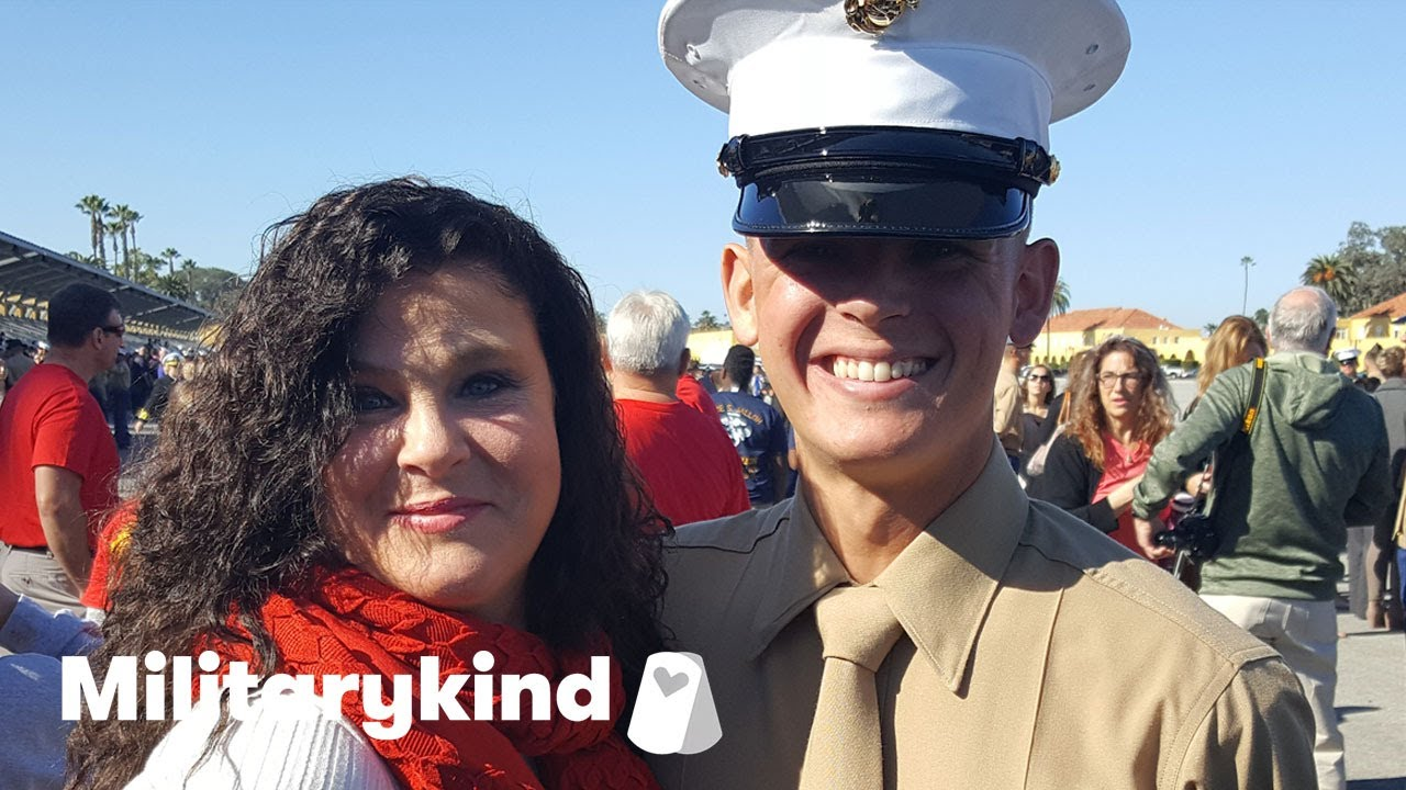 Marine crashes bridal shower and makes bride cry | Militarykind 7