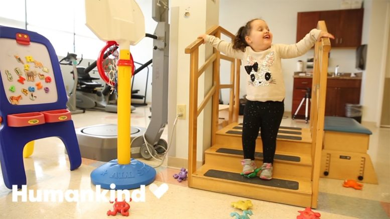 Little girl with spina bifida walks on her own | Humankind 1