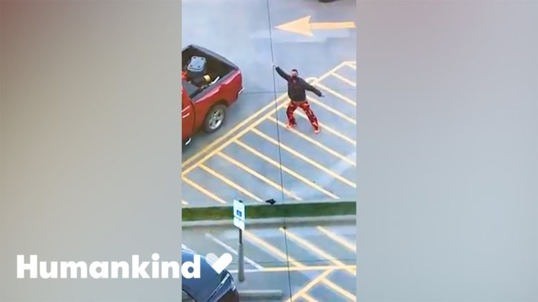 Dad has positive dance energy for son during chemo | Humankind 1