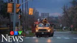 Heavy rain and 100 km/h winds blast parts of southern Ontario, Quebec, and the U.S. 5