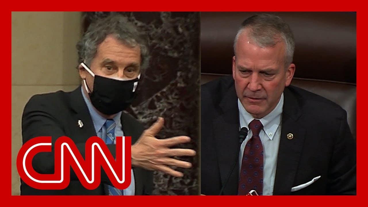 Watch mask fight erupt on Senate floor 4