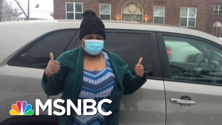 Preschool Director Renee Dixon Drives Uber So She Can Buy Presents For Students In Need | MSNBC 1