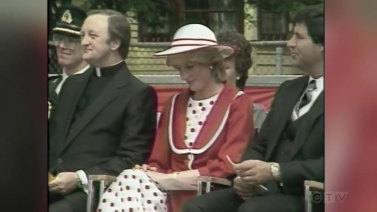 1983: Diana, Prince Charles sing with choir in St. John's, Newfoundland 1