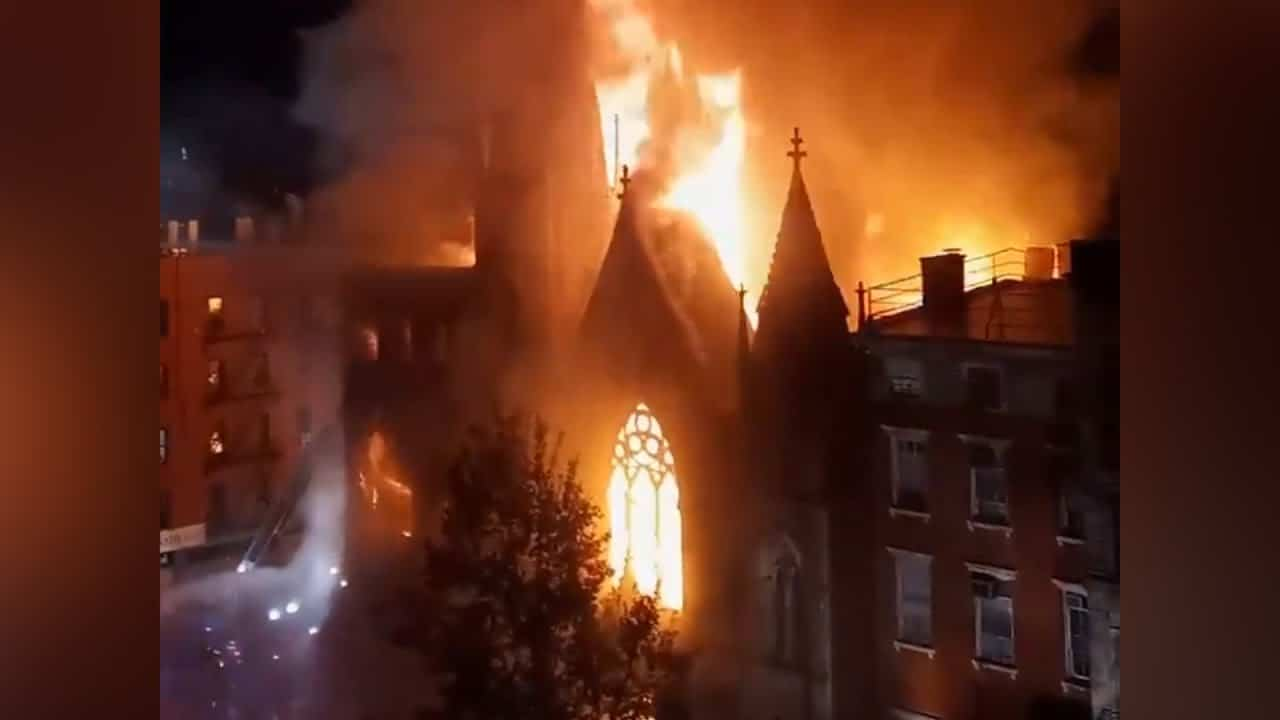 Century-old church destroyed by fire in NYC 1