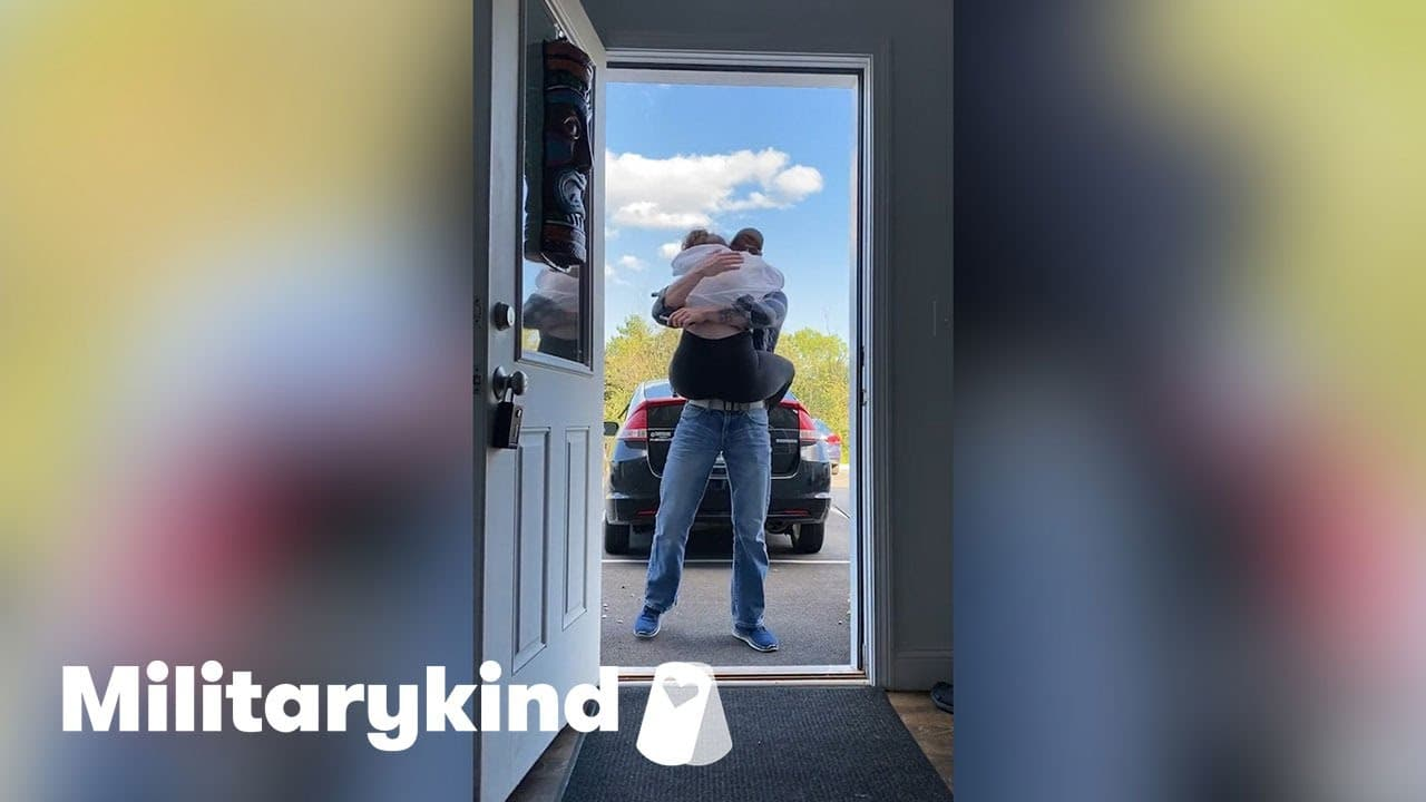 Best friend leaps into airman's arms | Militarykind 1