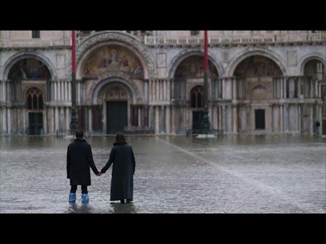 Venice flooded after new US$8-billion dam fails 1