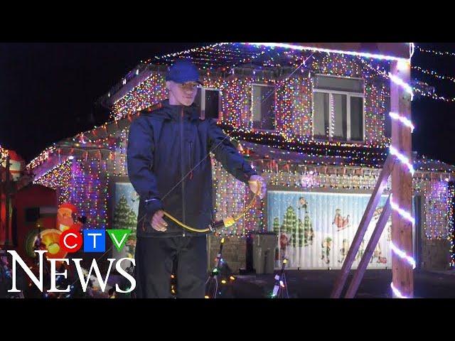 Alberta man recreates famous scene from Christmas movie 1