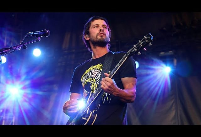 Sam Roberts teams up with local artists to help the Canadian music industry 1