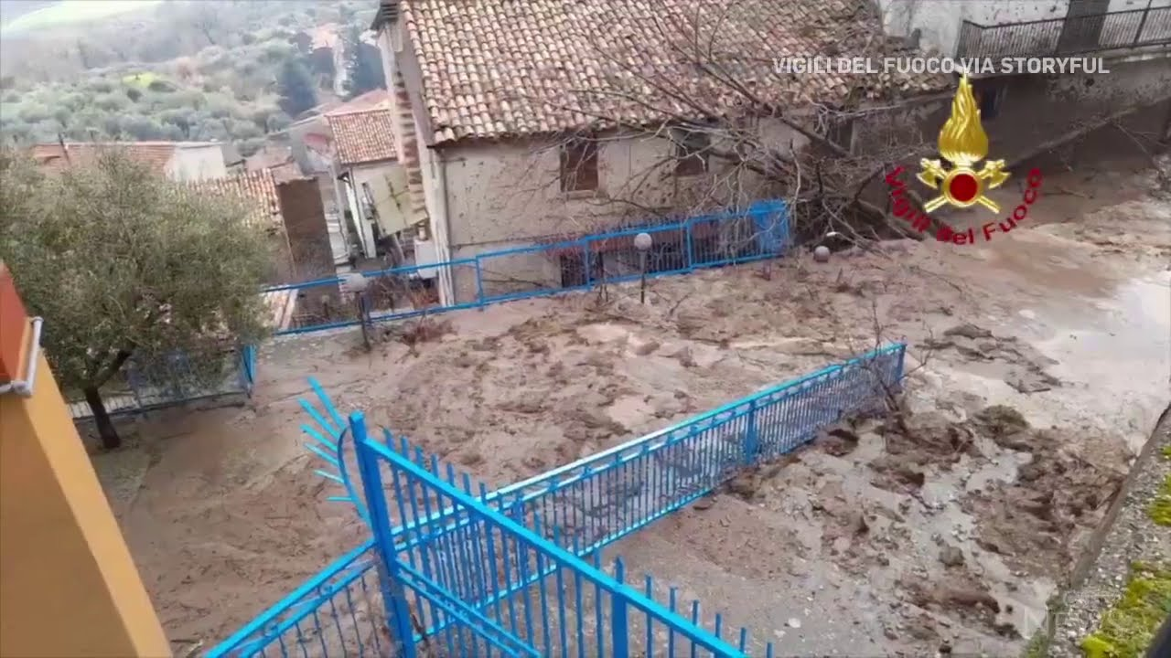 Forty people evacuated after mudslide in Italy 5