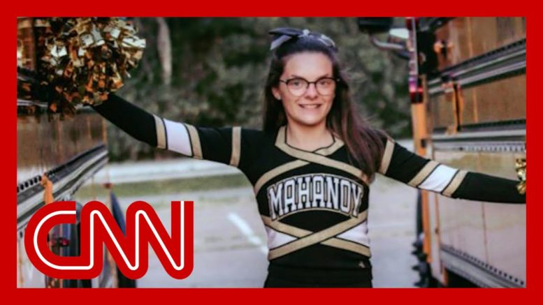 High school cheerleader suspended for explicit Snapchat speaks out 1