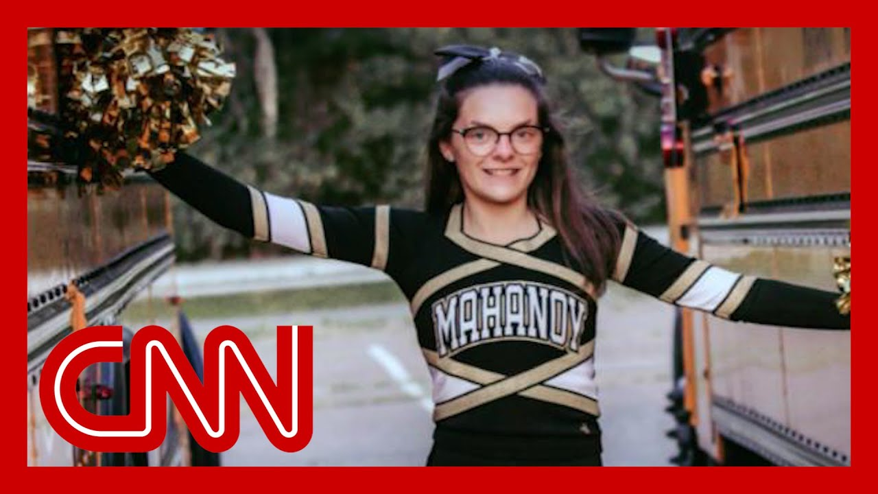 High school cheerleader suspended for explicit Snapchat speaks out 5