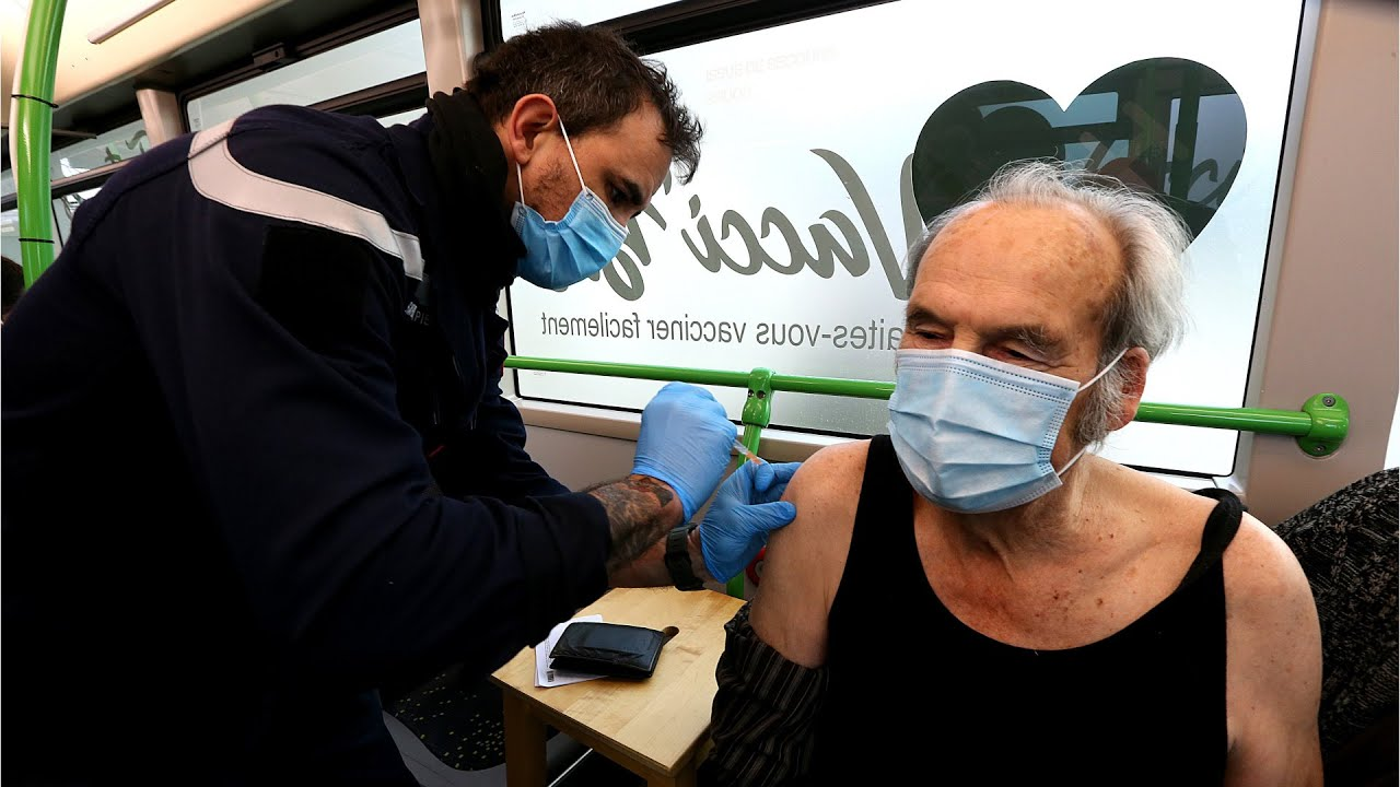 Countries rolling out unconventional vaccination options 9