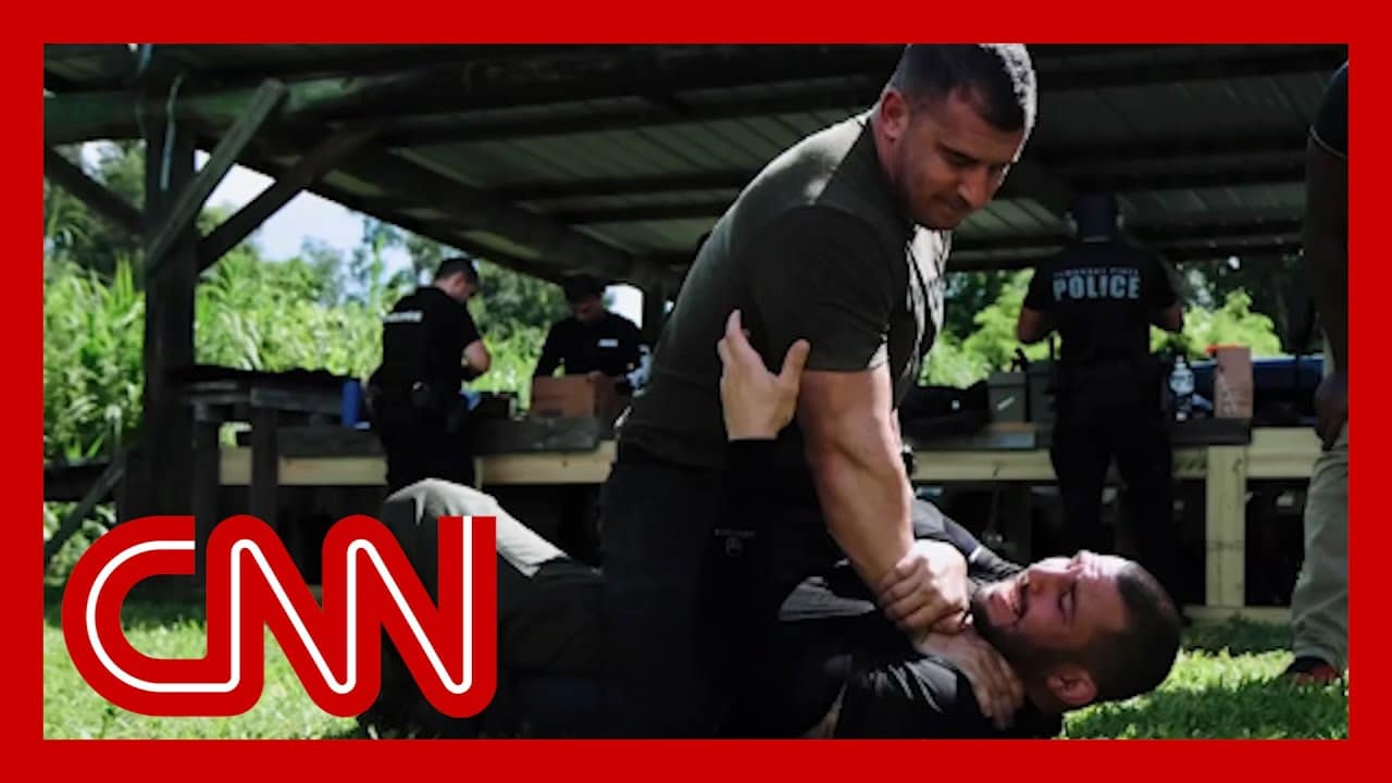 What's behind this controversial style of police training 1